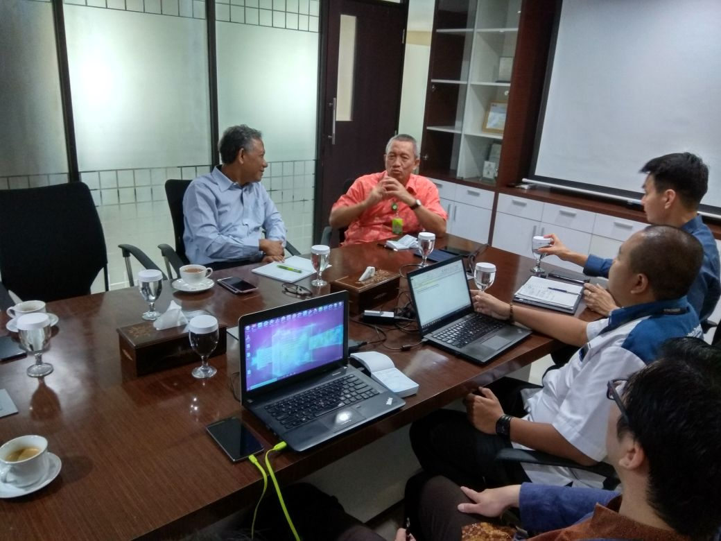 AI Research Discussion with Oil Palm Industries